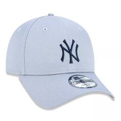 Boné New Era 9Forty MLB New York Yankees Cinza MBV19BON158