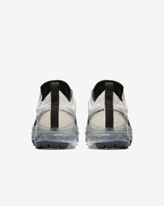 "Nike Air VaporMax 2019 ""Pale Ivory"" na internet"