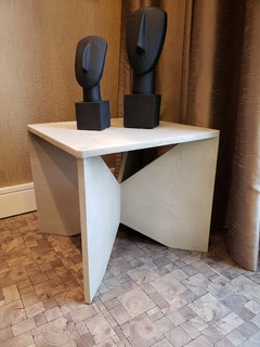 MESA LATERAL MINIMALIST CEMENT