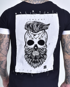 Imagem do Camiseta Long Line Barba Alfinetes