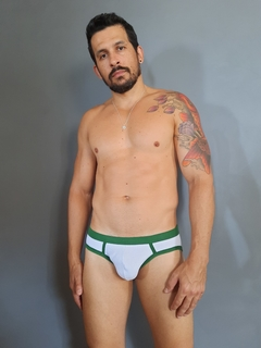 Cueca slip Briefs Essential na internet