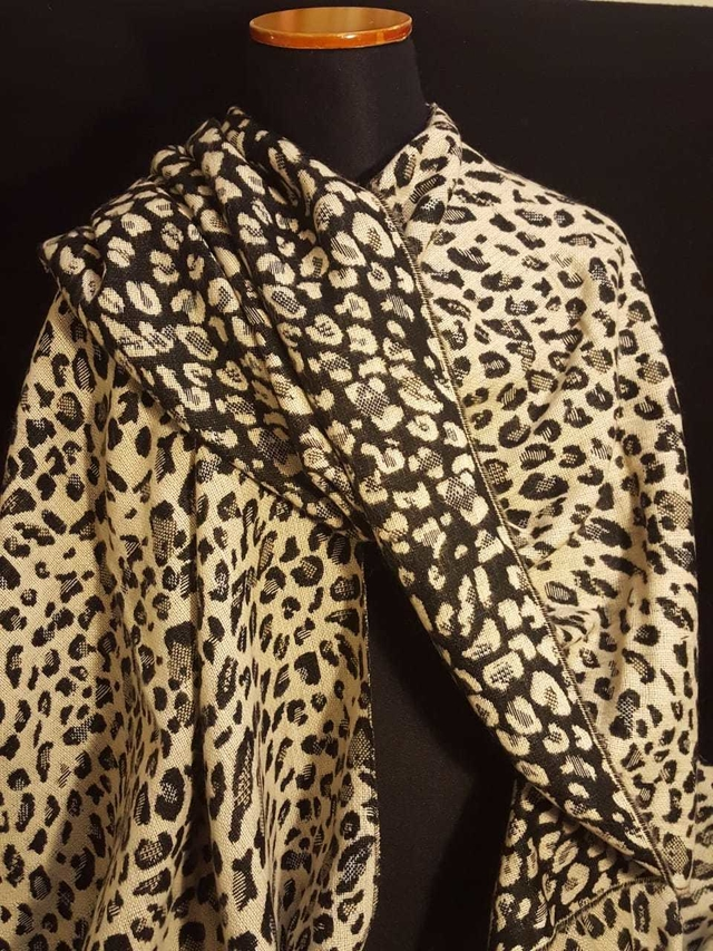 Ruana de lana animal print doble faz Art:061710