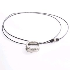 "Colgante/choker ""One for all"" en internet"