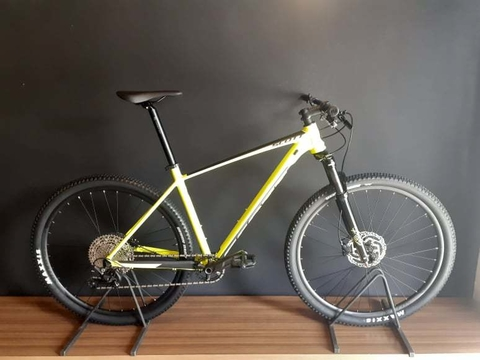Bicicleta Scott Scale 980  - 2021