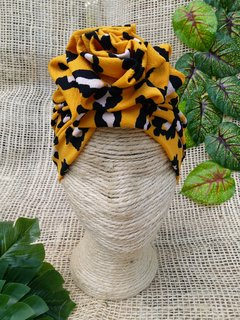 Turbante animal print mostaza