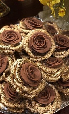 fabric-flower-wrapper-for-wedding-candies-rose
