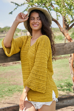 "Sweater ""Terruño"", amarillo oro. en internet"
