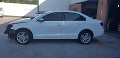 VW Jetta 2.0 tsi highline 2016 sucata