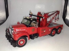 Mack B61 (1960) Tow Truck - First Gear 1/25