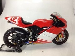 Ducati Desmosedici Troy Bayliss - Minichamps 1/12 - B Collection