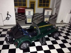 Caterham Super Seven Kyosho 1/18 - B Collection
