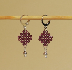 Trama (Thread) earrings with faced garnet, silver beads and silver elements