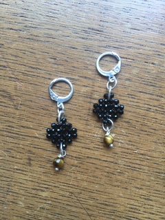 Trama (Thread) earrings with faced spinel and tiger eye beads and silver elements
