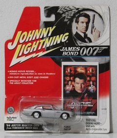 64 Aston Martin DB5 - Carrinho - Johnny Lightning - JAMES BOND 007